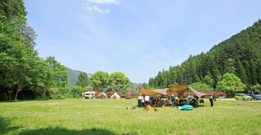キャンプ場.png